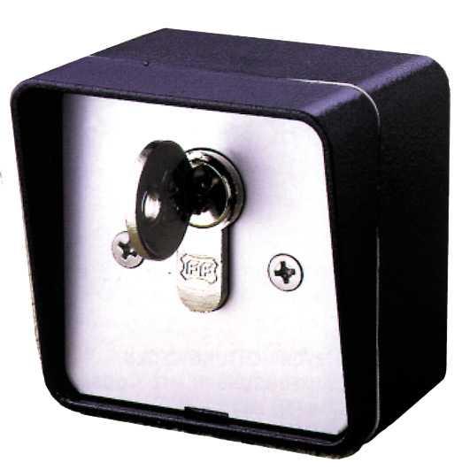 Contacteur à clé en applique avec cylindre européen. Fabricant GPA - Distributeur TREBI. FRANCE